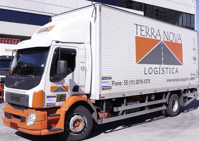 caminhão de transporte veiculo frota logística terra nova