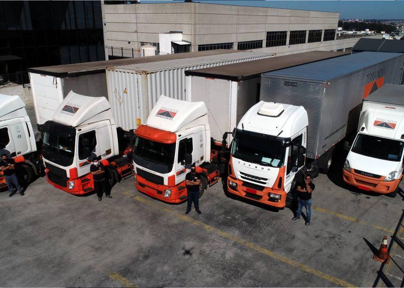 caminhões transporte de cargas logística terra nova