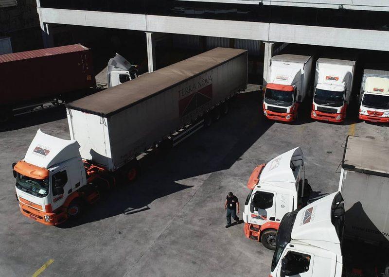 patio transporte de carga logística terra nova